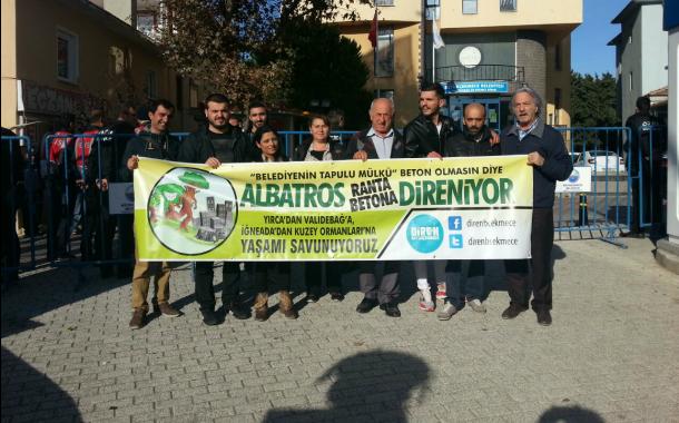 Yaşam savunucuları belediye önündeydi: Albatros ihalesi yine alıcı bulamadı