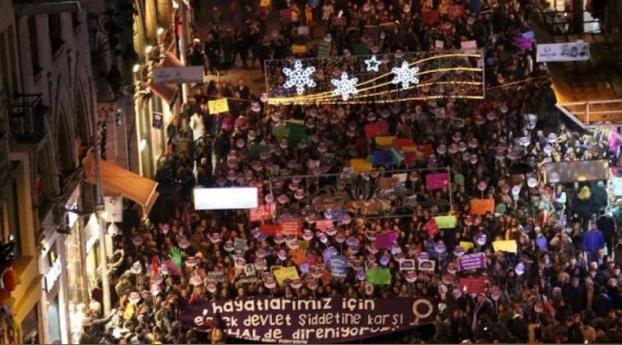 OHAL'e rağmen sokağa çıkan kadınlar: #herHALdedireniyoruz