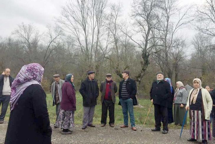 Köylüler direndi, Çaycuma Adaköy'de ağaç kesimi durdu