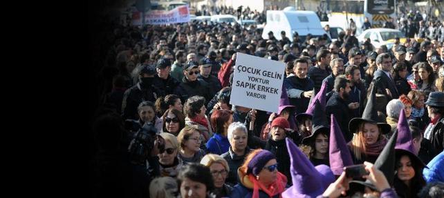 Kadınlar 'geri çekmek yetmez' dedi, AKP cinsel istismar tasarısını iptal etti