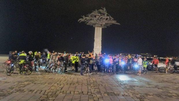İzmir'li bisikletçilerden 77. Critical Mass çağrısı: Kentin ana unsuru otomobiller değil insandır!