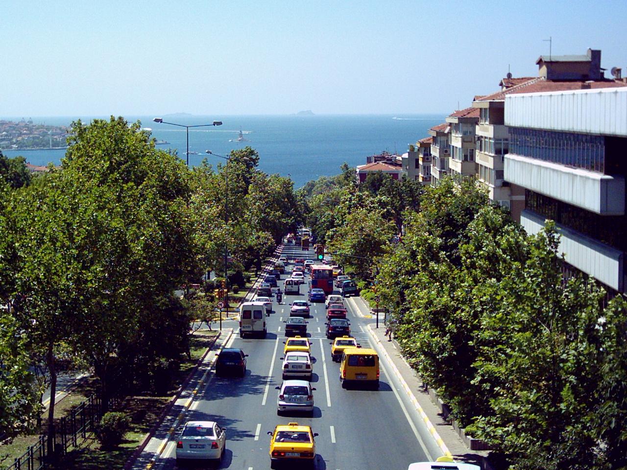 Beşiktaş'ta Boğaziçi İmar Yasası delindi. Her şey inşaat için!