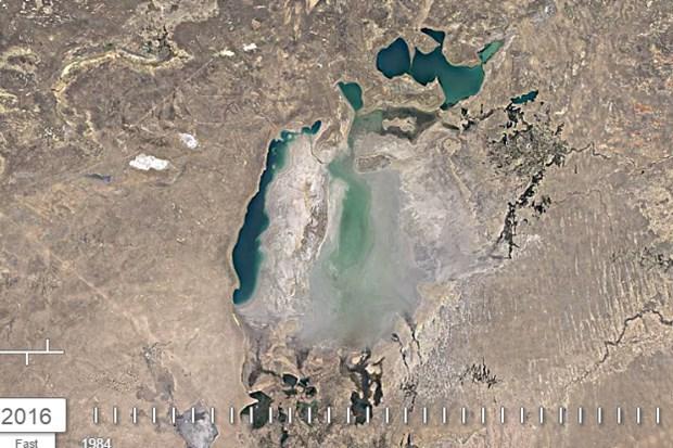 Aral Gölü'nün 32 yıl içerisindeki büyük değişimi