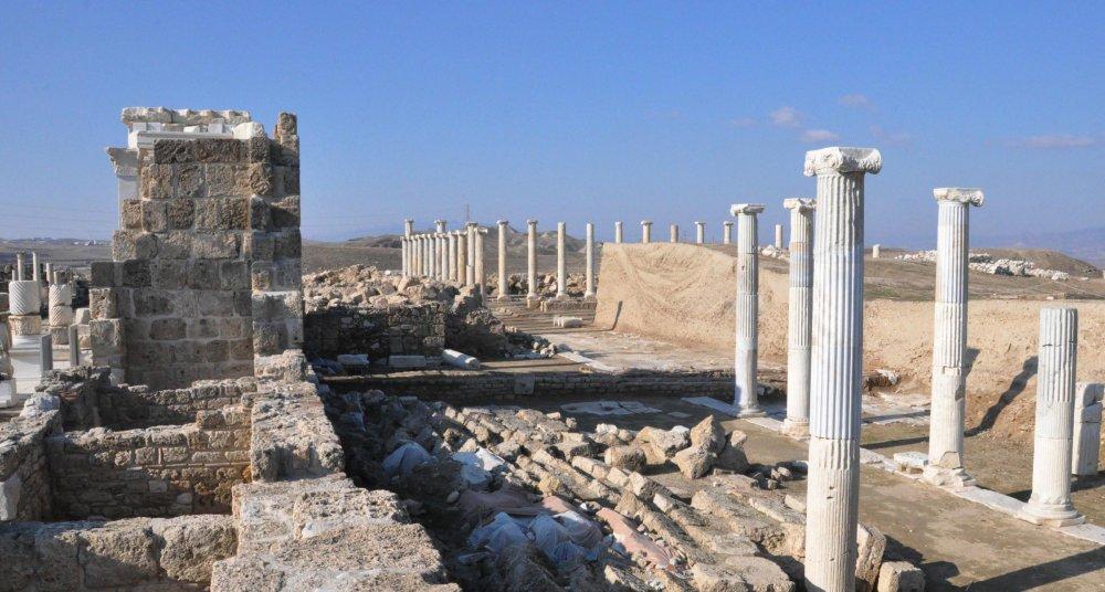 Laodikya'da 35 bin metrekarelik alana yayılan Kutsal Agora gün yüzüne çıkarıldı