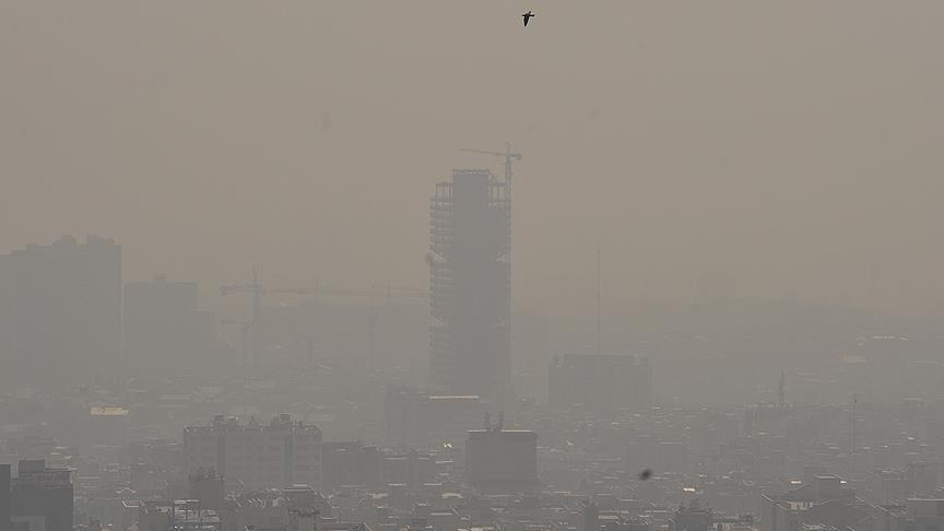 İran'da hava kirliliği yüzünden okullar tatil edildi