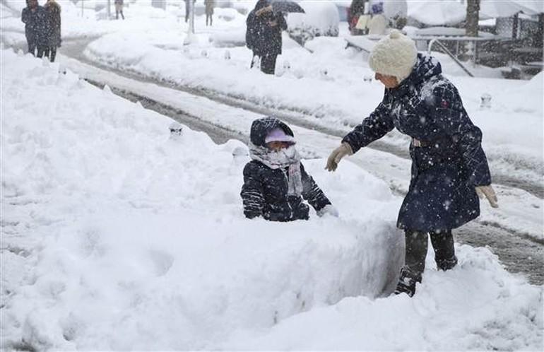 Çatalca'da kar kalınlığı 110 cm'ye ulaştı