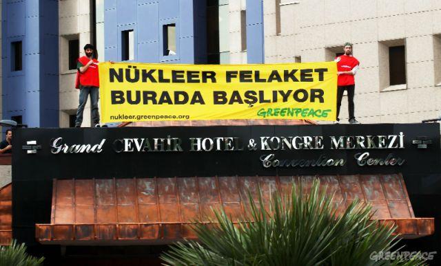 Nükleer karşıtı eylem gerçekleştiren Greenpeace aktivistlerine beraat