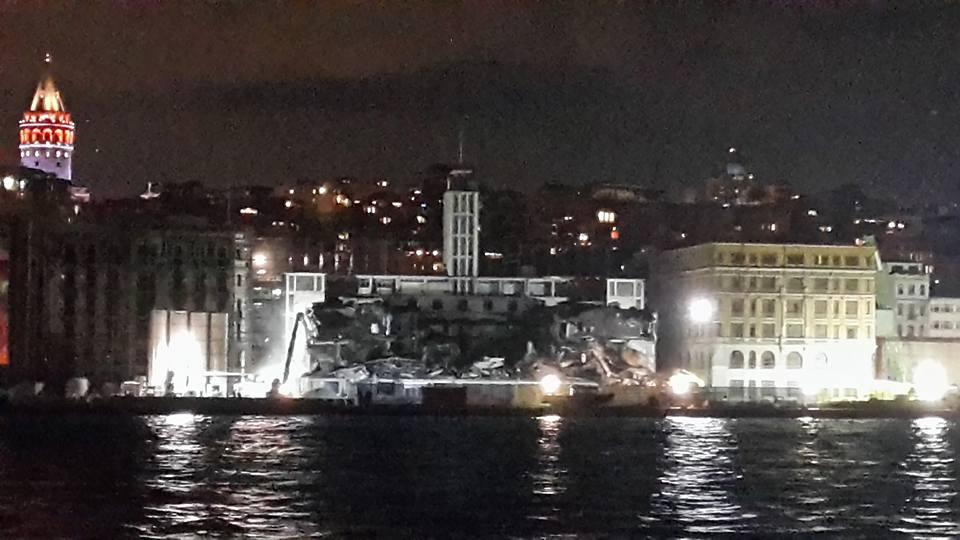 Galataport'a ilk tarihi 'kurban': Karaköy Yolcu Salonu sessiz sedasız yıkıldı