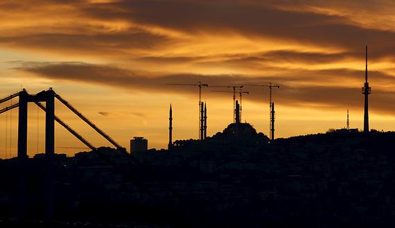 AKP inşaat çukuruna nasıl düştü?