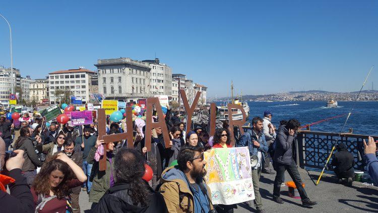 Yaşam savunucularından 'Hayır de bahar gelsin' eylemi