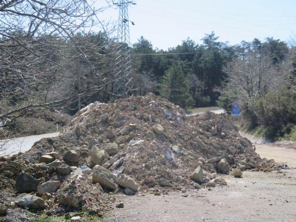 Kuzey Ormanları çöplüğe dönmüş Orman Bakanı hafriyat çetelerine 'kanun' hatırlatıyor!