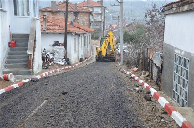 Fransa'nın 1930'lardan kalma kanserli maden atıkları, Balıkesir'de yollara asfalt diye döşeniyor!