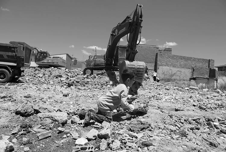 İKS: Sur'da yıkımlar ve zorla tahliyeler durdurulsun