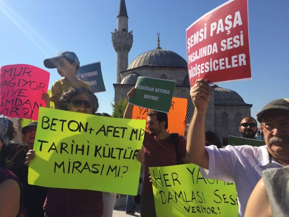 Üsküdar'da rant karşıtı eylem: 'Boyum 1.57 Üsküdar'da gezebilir miyim başkan?'
