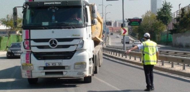 İnşaat Ağaları trafik polislerini aylık 5.000TL maaşa bağlamış!