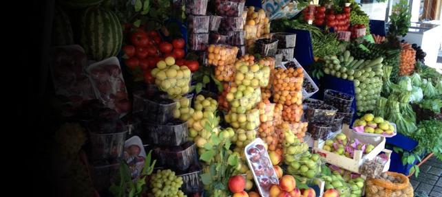 Yurtdışından geri gönderilen ve gıda zehiri taşıyan meyve-sebze, iç pazara sunuluyor