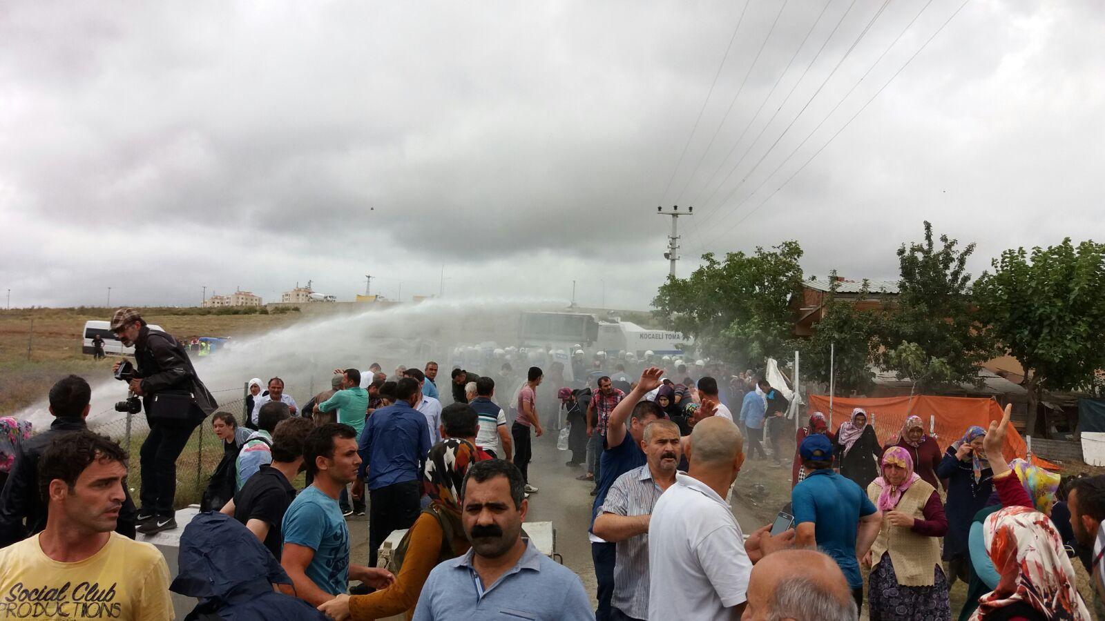 Gebze'de yıkıma karşı direnen mahalle halkına saldırı
