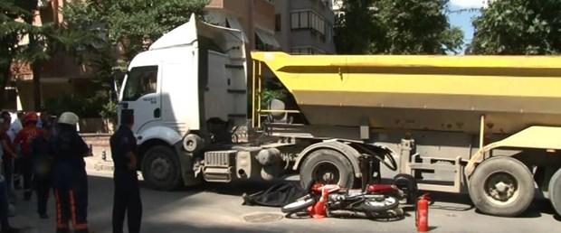 Dikkat; kamyon çıkabilir, mikser devrilebilir!