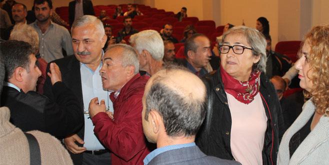 Kandıra'daki baraj için yapılan ÇED toplantısında sorulara cevap veremeyen yetkililer salonu terk etti