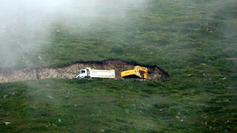 Karadeniz yaylalarını tahrip eden 'Yeşil yol' isimli otobanın yarısı bitti, keşif heyeti yeni geldi!