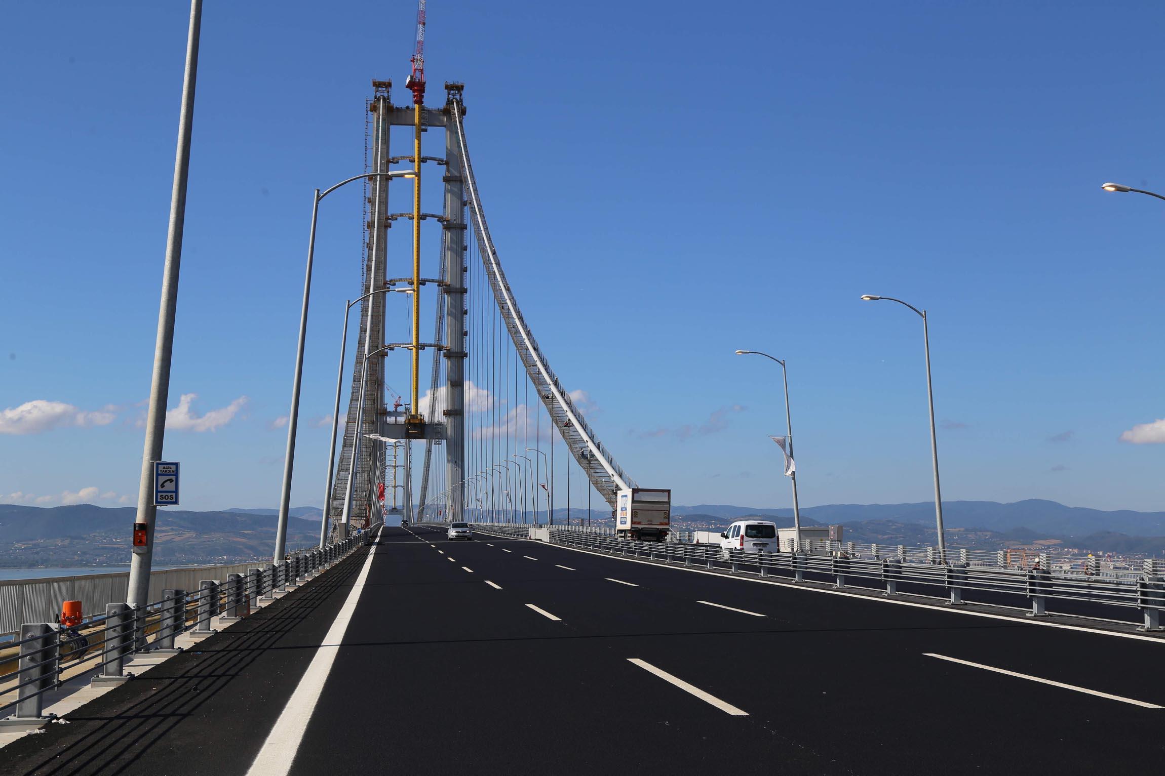 13 ayda Osmangazi Köprüsü'nden geçmeyen 8 milyon aracın geçiş parasını Türkiye Halkı ödeyecek!