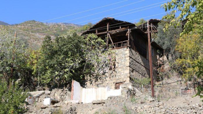 Havuzlu'yu baraja bırakmayan tek aile: Pencereden üzüm yiyebileceğim ev göstersinler!