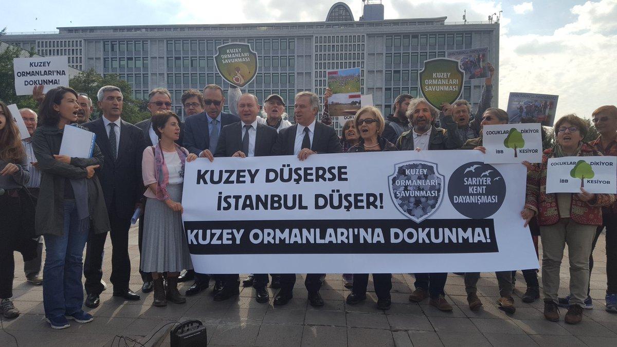 Uskumruköy'deki kesimlere, Kuzey Ormanları'ndaki talana dur demek için yaşam savunucuları bugün İBB önündeydi. 'Kesme yaşat, Kuzey'i koru!'