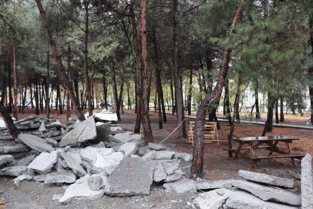 CanikBelediyesi tepkiler üzerine ormana döktüğü betonu söktü ama ormanı parka çevirmeye devam ediyor