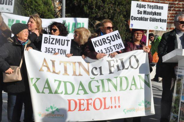 Çanakkaleliler su havzalarına zarar verecek altın madenini protesto etti
