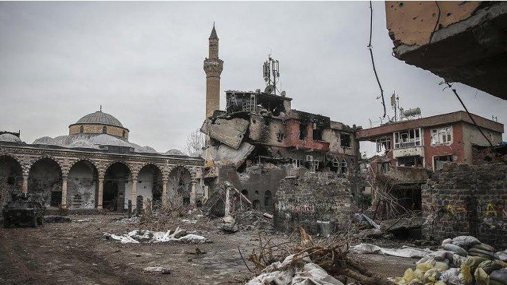 Tarihi yapıların yıkımına kamu güvenliği kılıfı