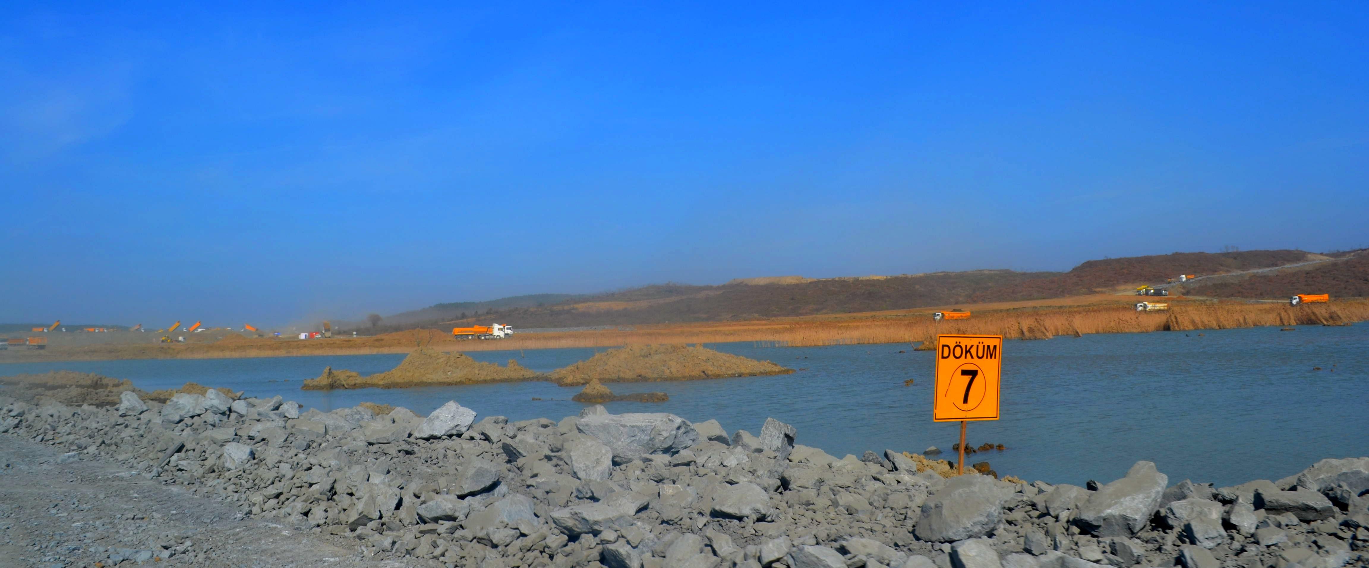 """İstanbul'un su ve nefes kaynakları inşaat ağaları tarafından yok edilirken Orman ve Su İşleri Bakanı vatandaşı uyarıyor: """"Suyu boşa akıtma"""""""