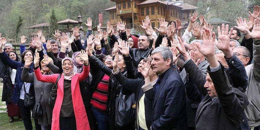 Haluk Levent HESlere karşı ormanlarını savunan Yenice Halkına destek verdi