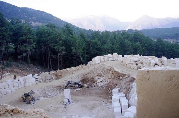 Doğa düşmanları tarafından katledilen Aysin ve Ali Büyüknohutçu çiftinin kapattırdığı mermer ocağı için yeniden ÇED başvurusu yapıldı!