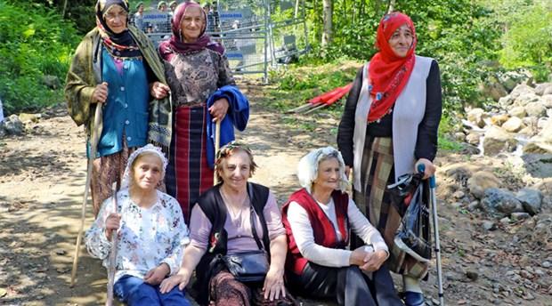 Rize'de köylüler, HES için Bakanlık'tan gelen heyeti kovdu