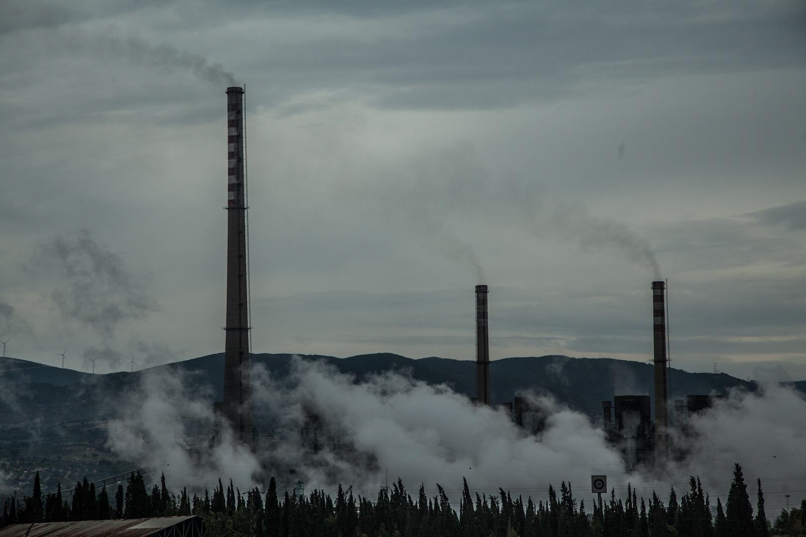 """2017 kömürlü termik santral raporu: """"Dünya terkediyor, AKP İktidarı sarılıyor"""""""