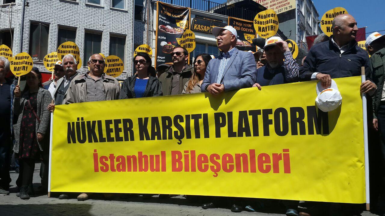 Nükleer karşıtları ve yaşam savunucuları miting yasağına karşı dün Beşiktaş'ta buluştu