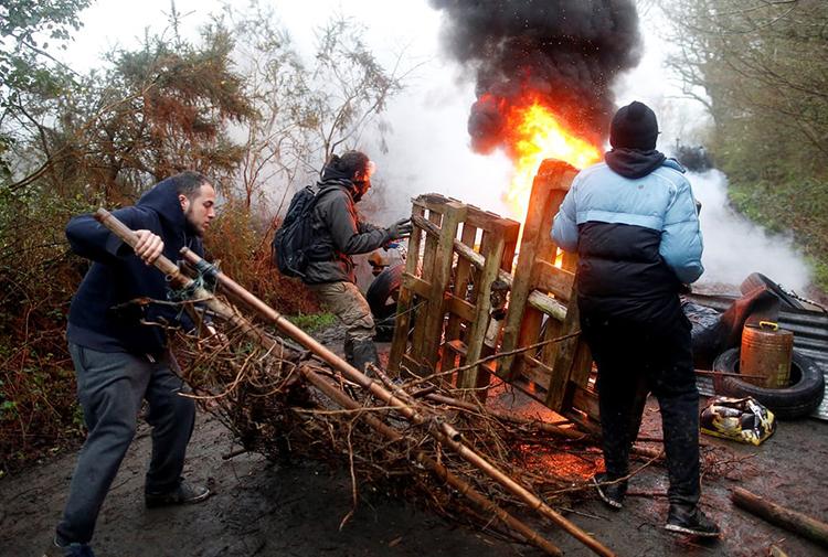 Fransa'da 2500 polisten ZAD'ın otonom bölgesine şafak operasyonu