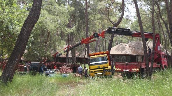 Doğa savunucuları kazandı: Ormanı tahrip eden Kındılçeşme kamp alanı tahliye ediliyor