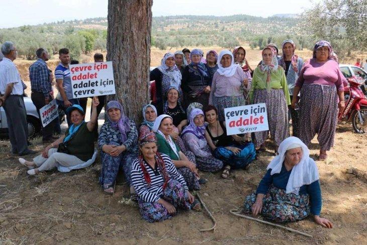 Aydın'da jeotermal tesise tepki gösteren köylüler yol kapattı