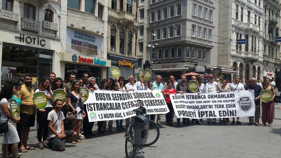 """Rus doğalgazını Avrupa'ya iletecek boru hattı için Kuzey Ormanları'nı katleden """"milli' iktidar protesto edildi"""