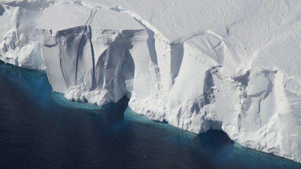 Antarktika alarm veriyor: 25 senede 3 trilyon ton buzul kaybedildi