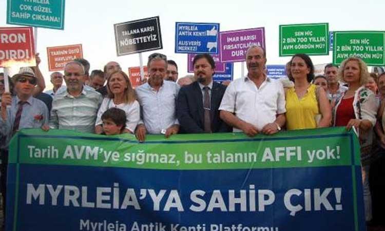 Antik kent üzerine AVM için 'imar barışı' başvurusu protesto edildi