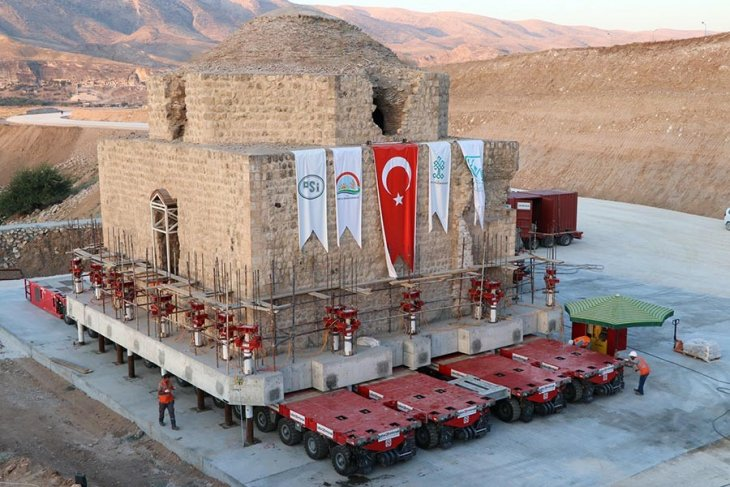 """Hasankeyf'te tarihin taşınmasına tepki: """"Tarih yerinde güzeldir!"""""""