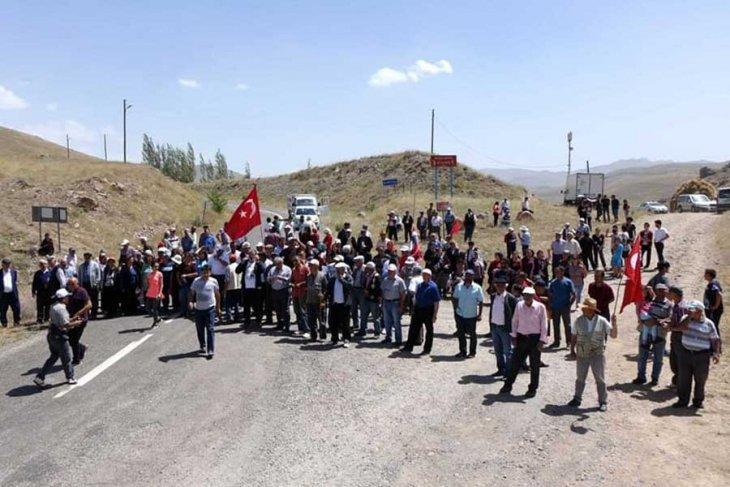 Sivas'ta köylüler maden aranmasına tepkili