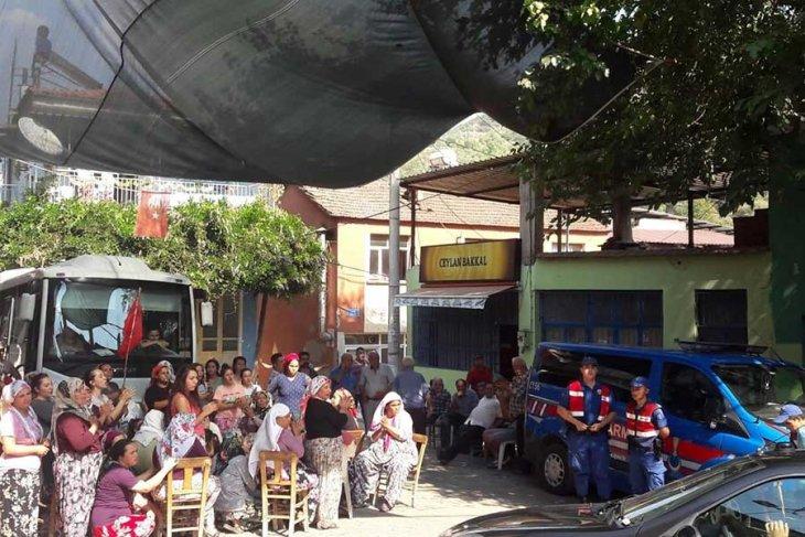 Tire Başköy'de JES'e karşı çıkan köye komando birlikleri gönderildi