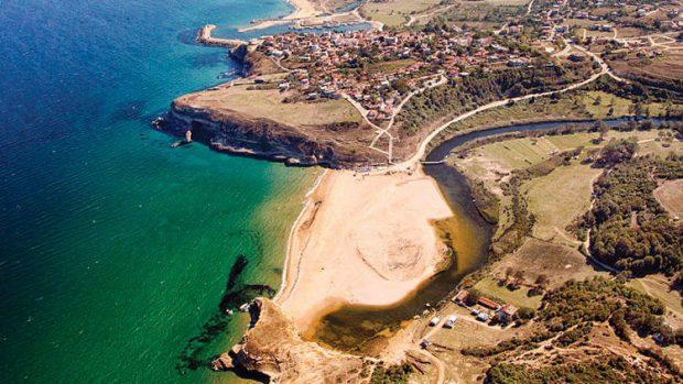 Karadeniz'in en verimli balık üreme alanı olan Kıyıköy'e kum ocağı!