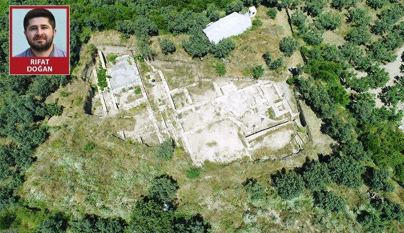 Antik kentteki kaçak AVM'de ruhsat gerilimi