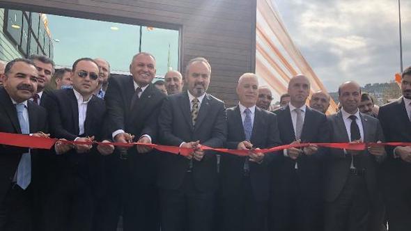 Özdilek Holding'in Mudanya'da Antik kent üzerine inşa ettiği kaçak AVM, törenle açıldı