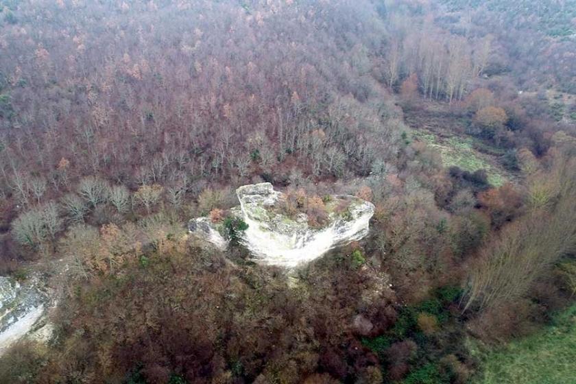 Define çeteleri Kuzey Ormanları'ndaki tarihi Gemi Kaya'yı dinamitledi!