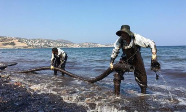 Bilirkişi: İzmir, Foça'daki akaryakıt sızıntısında Çevre ve Şehircilik Bakanlığı'nın da ihmali var